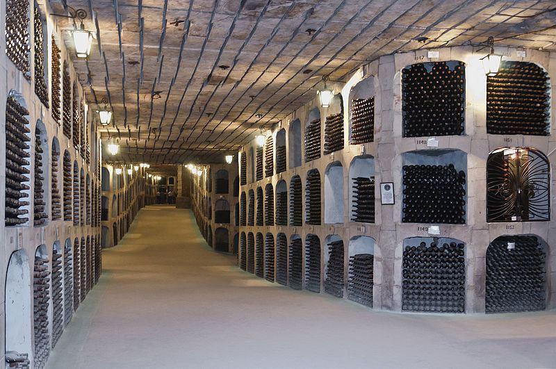 Podziemne korytarze w piwnicach Mileștii Mici